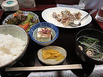 食楽アドバンスADVANCEの若鶏のクリームソース煮定食
