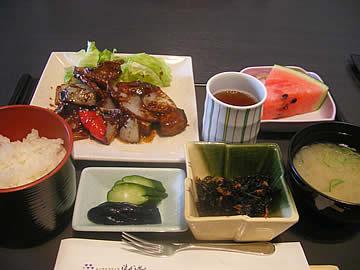 シーサイドヴィラ渤海のレストラン「パルフェ」能登豚の味噌炒めのランチ