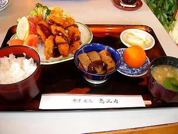 食事割烹 恵比寿のカキフライ定食
