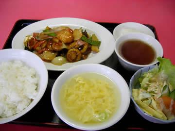 雅叙軒の八宝菜サービスランチ