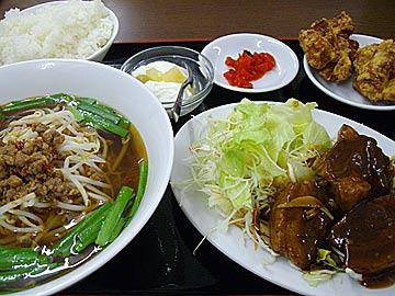 台湾家庭料理 福興の豚角煮定食