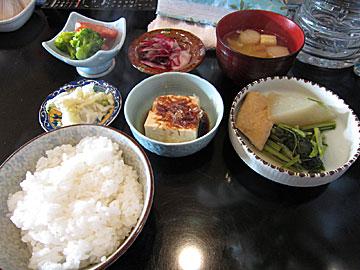酒&喫茶 彩のサバ味噌煮ランチ