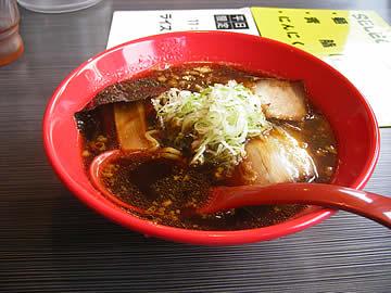 麺屋いろはの富山黒醤油らーめん