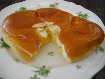 石窯パン工房「マイスターハオス」のクリームパン