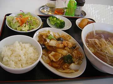 華府味道の八宝菜のランチ