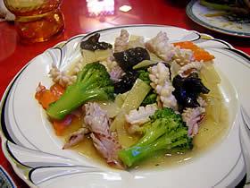 華龍亭のイカの塩味炒め