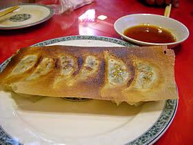 華龍亭の焼餃子