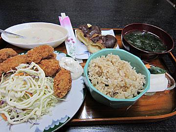 居酒屋 紀代美のカキフライの日替わり定食