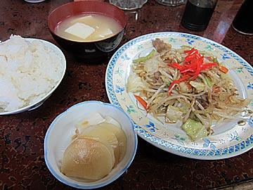 ことぶき食堂の野菜炒め定食