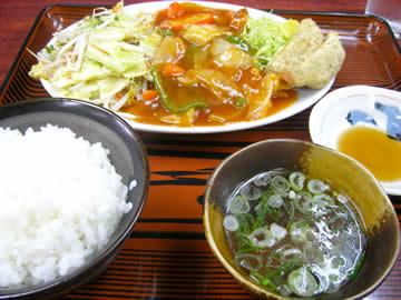 香華園本店の中華定食