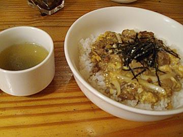 カフェレストラン マリナーズのらふてぃどんぶり(豚肉角煮)