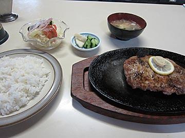 マルシンの豚肉鉄板焼き定食