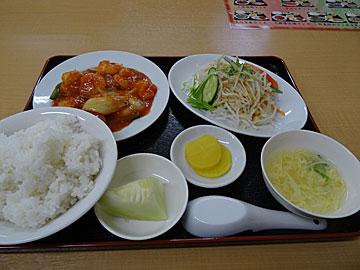 台湾料理 四季紅 かほく店のエビチリランチ