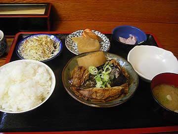 七福(しちふく)のブリ荒煮大根定食