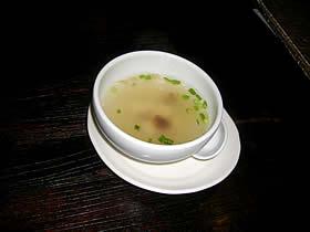 租界厨房 上海老街のきのこと豆腐の中華スープ