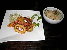 租界厨房 上海老街のイカの香味揚げ五香(ウーシャン)塩添えと鶏肉と旬野菜の炊き込みご飯
