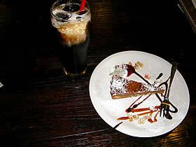 租界厨房 上海老街の本日のお手製ケーキとアイスコーヒー