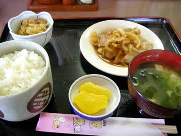 鶴壱の豚バラランチ