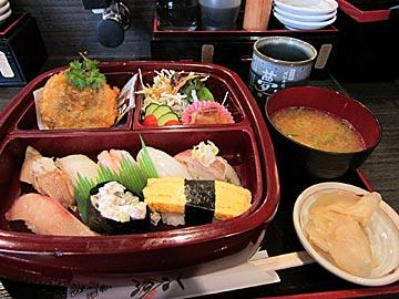 のと前回転寿司 夢市七尾店のランチセット