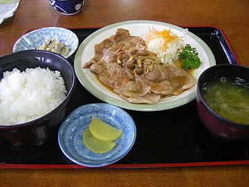湯乃国茶屋の豚生姜焼き定食