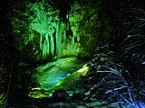 平湯大滝の結氷ライトアップ 飛騨高山観光Web