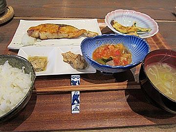 炭火焼魚食堂 炭魚ほんだのブリ照り焼き定食