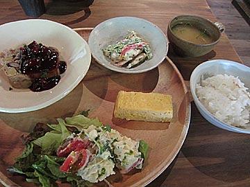 食堂カフェ 萌菖軒のランチ