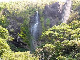 吹き上げの滝