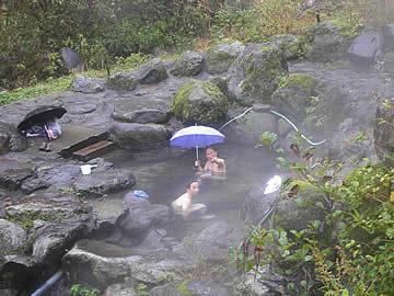 岩間温泉の休憩舎(岩間ヒュッテ)の露天風呂