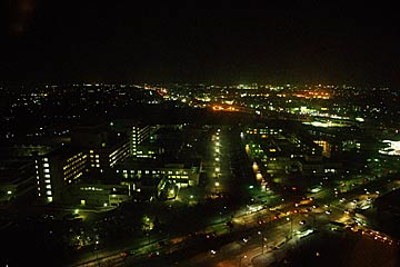 石川県庁展望ロビーの夜景