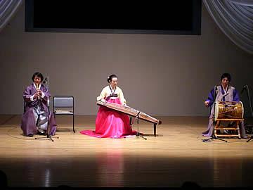 アジア民族音楽フェスティバルのコリア伝統芸音集団「風花」