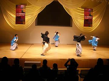 アジア民族音楽フェスティバルのHIROZのパフォーマンス