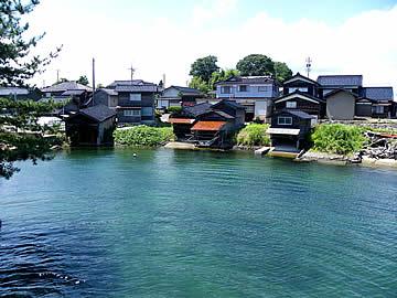 内浦長尾の舟小屋